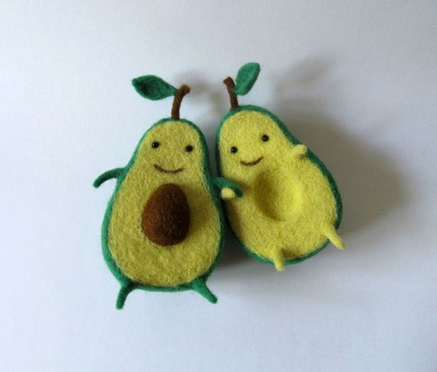 avocado-characters-hold-hands